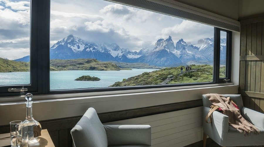 Cordillera-Paine-room-wonderful-overview.-Luxury-vacations-wildlife