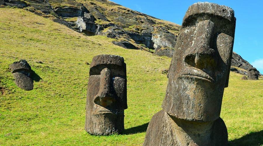 EASTER-ISLAND-MOAI-mgt5dznjzju4u0okcjenhvehbp5w1pmtgex7cqo87c