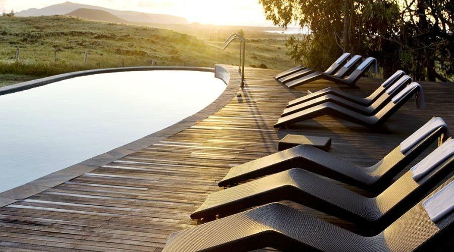 Luxury-vacations-in-explora-Rapa-Nui.-Spa-pool-area-massage-area-mgt8b8mz8pwyu5surj7s6t9jvwegxmgtlcngv4m9hk