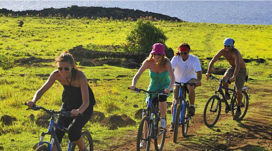 Mountain-bike-adventure-travel-archaeological-trips.-Easter-Island-mgt7j74bcnj0gyj8ieugsw0hw2m9ap53qjzzfy7348