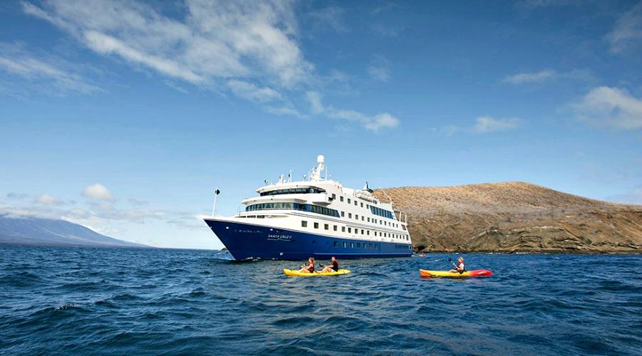 ht-galapagos-santa-cruz-ship (4)