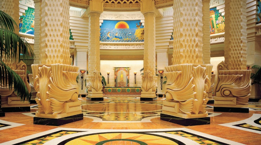 Rooms_RoyalTowers_Lobby