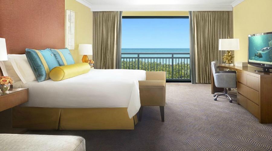 RoyalTowers_GrandSuite_Bedroom